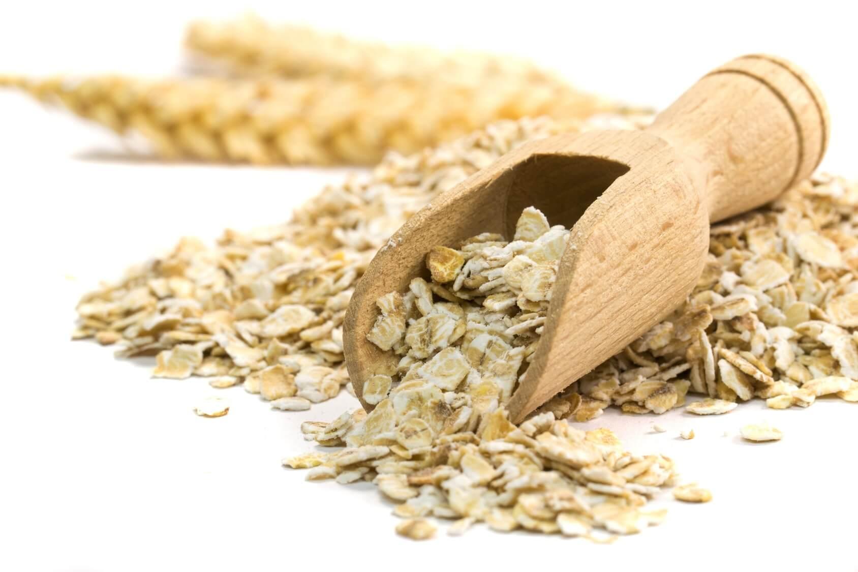 В состав овса входят: аминокислоты — триптофан и лизин, эфирные масла, камедь, витамины В1, В2, В6, К, РР, Е, каротин, калий, хром
