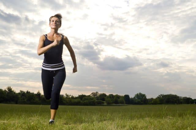 Каждый пациент просто обязан заниматься физической культурой, поскольку гипертонику категорически противопоказан малоподвижный образ жизни