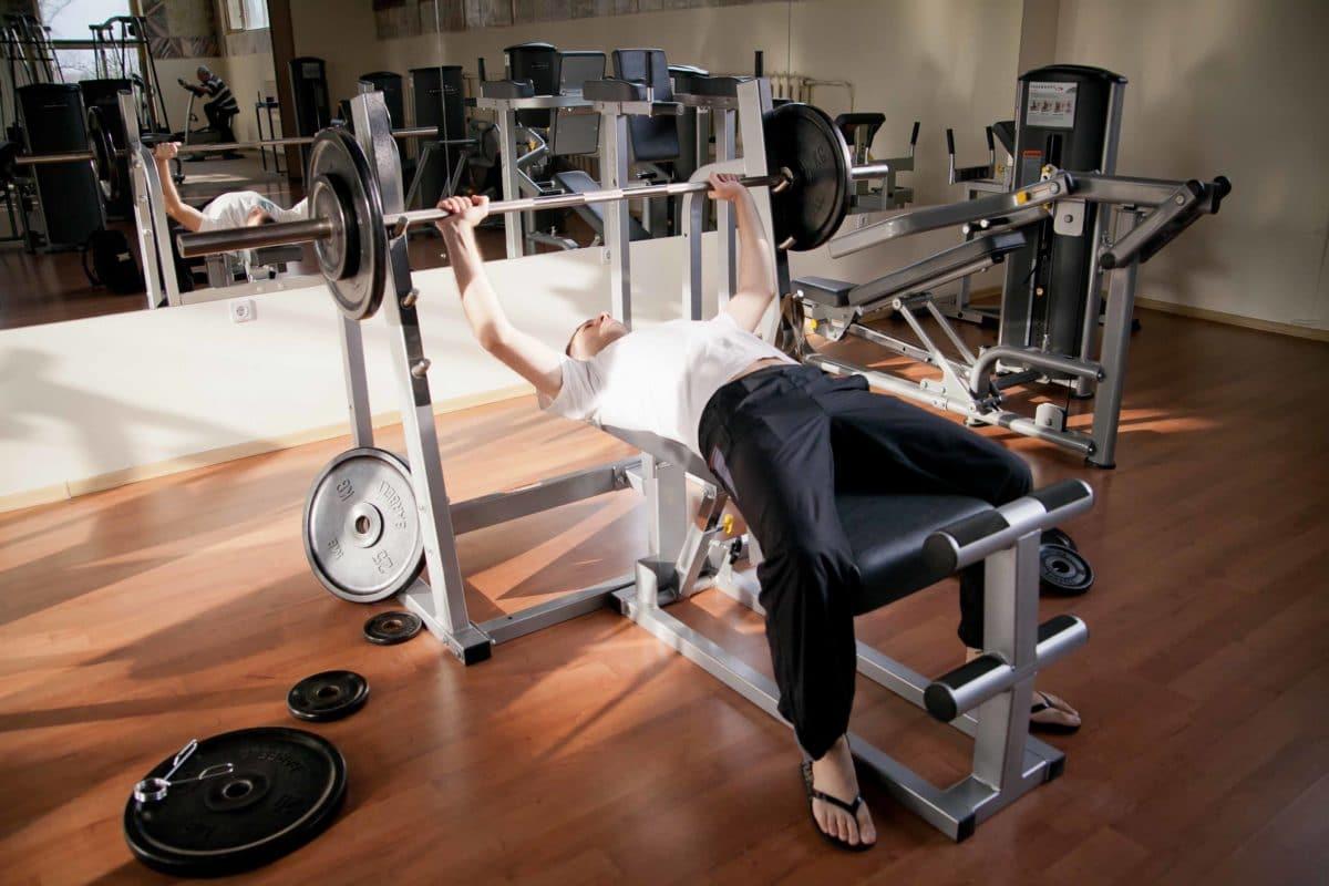 Можно ли заниматься в тренажерном зале при давлении?