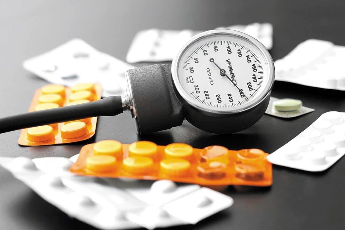 Ибупрофен повышает давление или понижает?