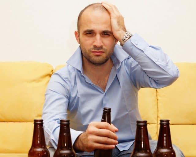 Гипертония не позволяет чрезмерно увлекаться спиртными напитками