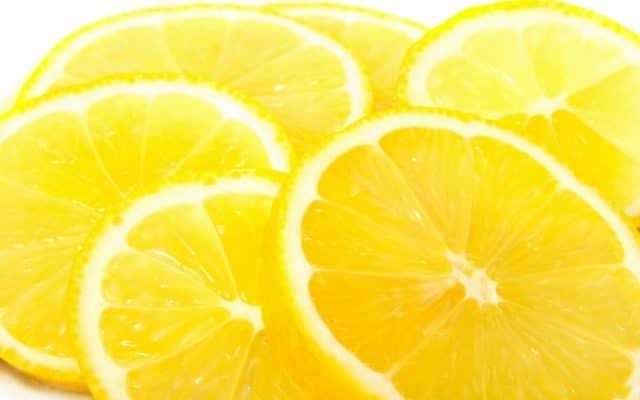 Лечение лимоном может быть лишь прекрасным дополнением к основной терапии при гипертонической или иной болезни