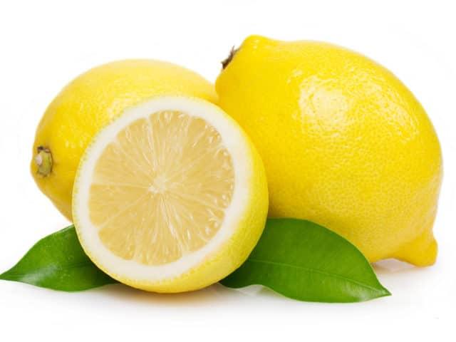 Положительного действия на сердечно-сосудистую систему оказывает наличие в лимоне витамина С, Р, солей калия