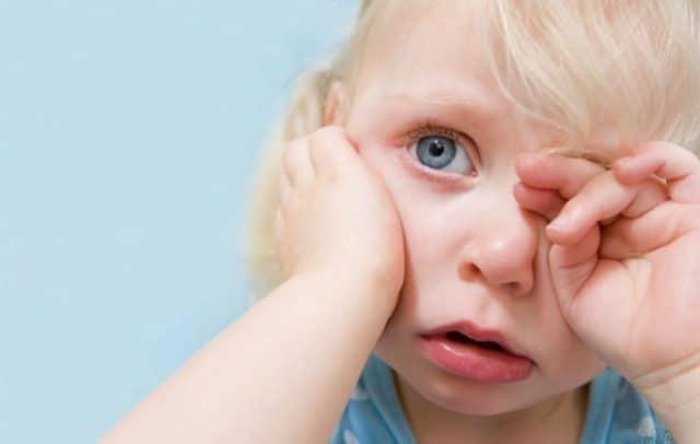 Ребёнок становится раздражительным,ухудшается сон