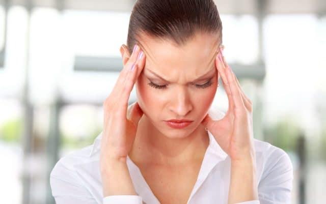 Причины подобного состояния могут крыться в обычном стрессе, акклиматизации, нехватке витаминов