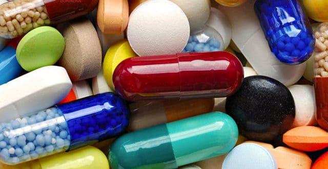 При совместном применении с ингибиторами АПФ сообщалось об обратимом повышении концентрации лития в плазме крови и развитии токсических эффектов