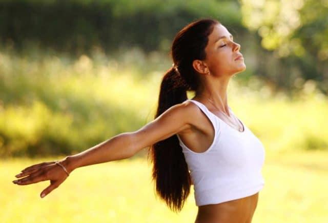 Однако даже при возникновении гипертонии выполнять физические упражнения не только можно, но и нужно