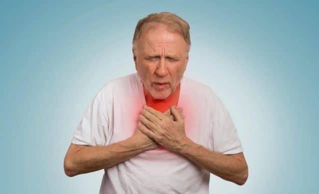 Если имеют место приступы удушья, редкостное дыхание и слабый пульс, необходимо сразу вызывать врача