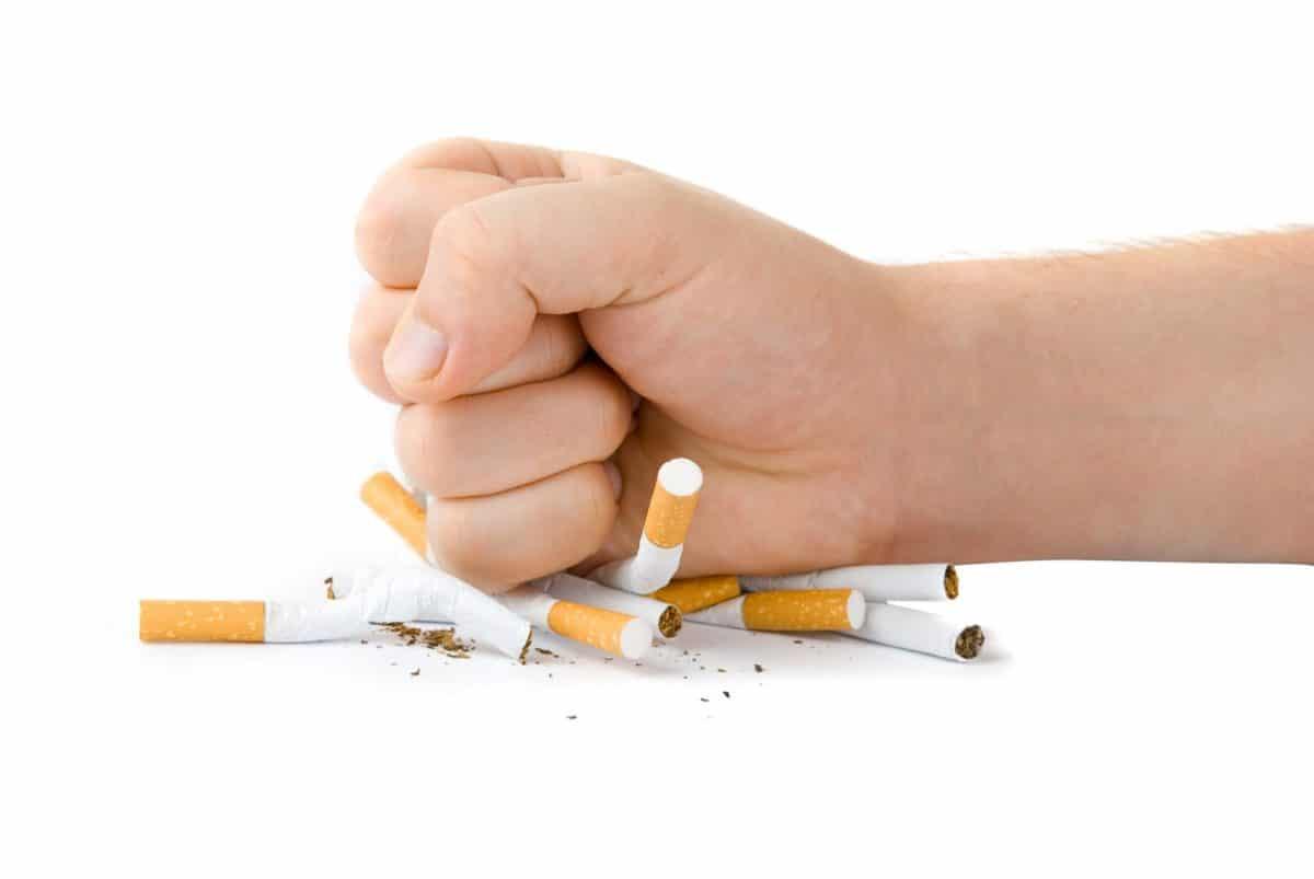 Курение давление повышает или понижает?