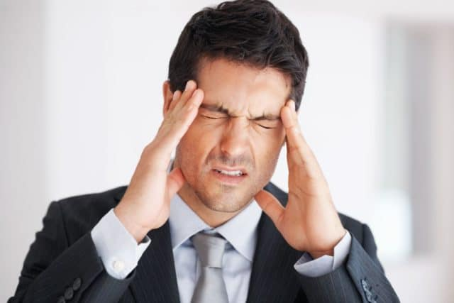 Причем постоянная мигрень часто приводит к полной утрате работоспособности