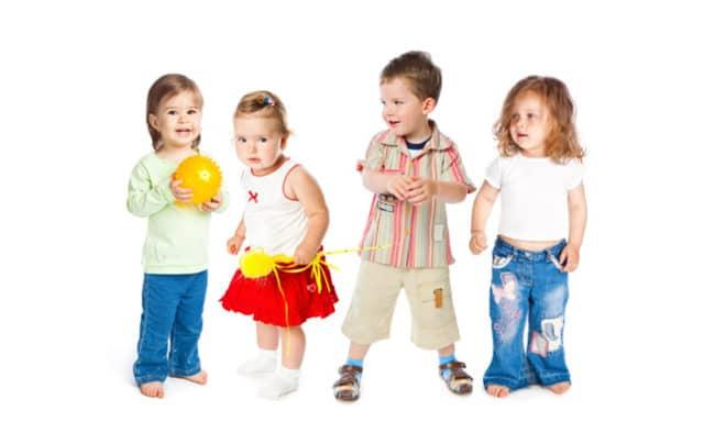 АД у здоровых детей пяти лет ориентировочно укладывается в следующие границы (допустимы колебания в 5-10 мм.рт.ст): мальчики — 95-110/65-70 мм.рт.ст., девочки — 90-105/60-68 мм.рт.ст