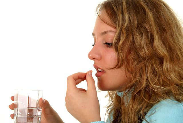 Если лекарство назначается для лечения гипертонической болезни, его принимают либо перед едой, либо через 30 минут после приема пищи
