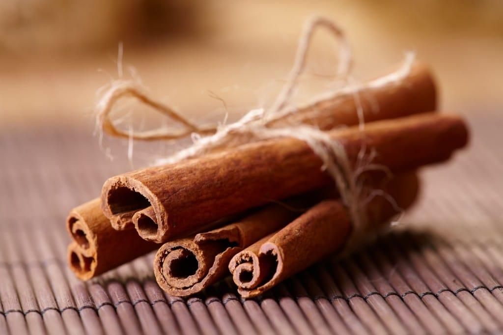 Эта специя широко используется в кулинарии для приготовления десертов и мясных блюд
