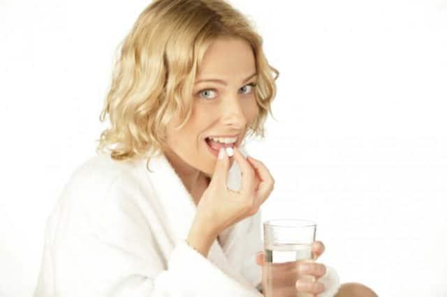В первый день лечения доза составляет 1 таблетку, выпить ее нужно перед сном