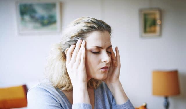 Валерьянка способна вызвать незначительную аллергию, зуд, тошноту, головокружение