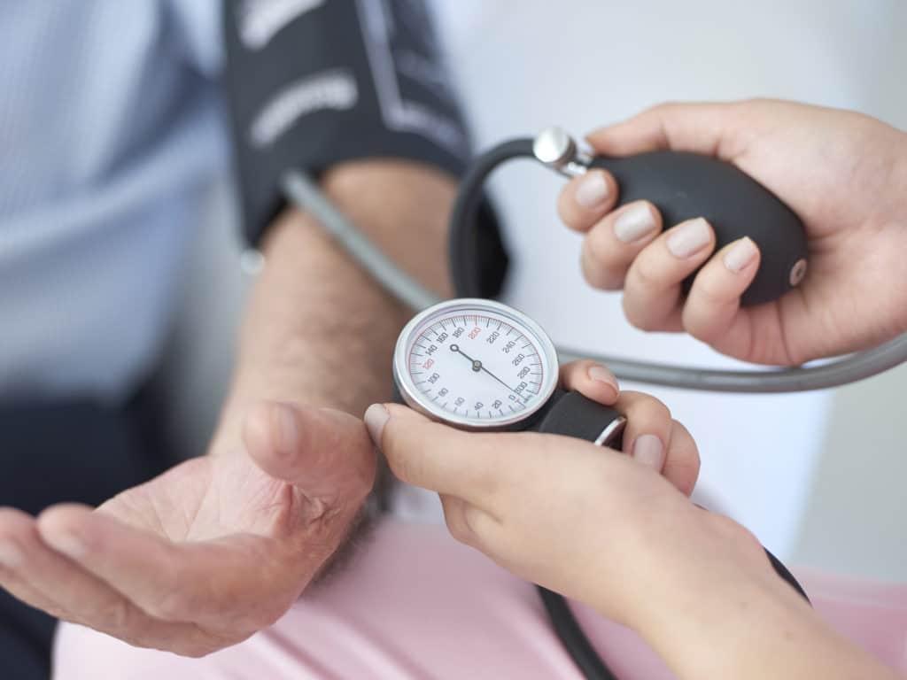 Аритмия и низкое давление — что делать?