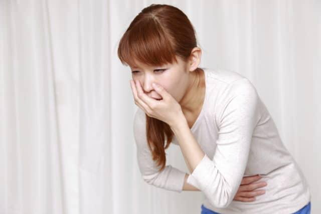В случае передозировки, больному следует принять атропин
