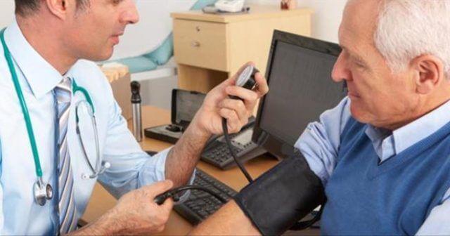 Гипертоники в силу повышенных рисков для здоровья должны состоять на диспансерном учете