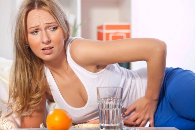 В состав «Кофицила» входят кофеин и парацетамол — вещества, которые вызывают множество противопоказаний