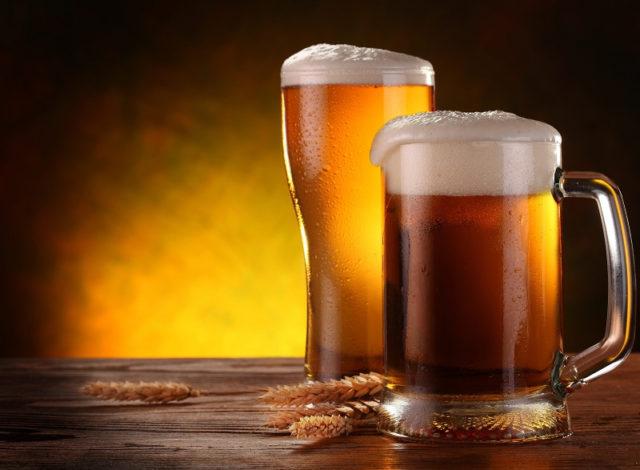 Хоть и считается, что пиво слабоалкогольный и полезный продукт, им не стоит злоупотреблять, так как он содержит слабоочищенный спирт