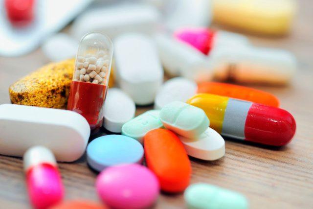Существует несколько групп лекарственных препаратов, способных регулировать давление