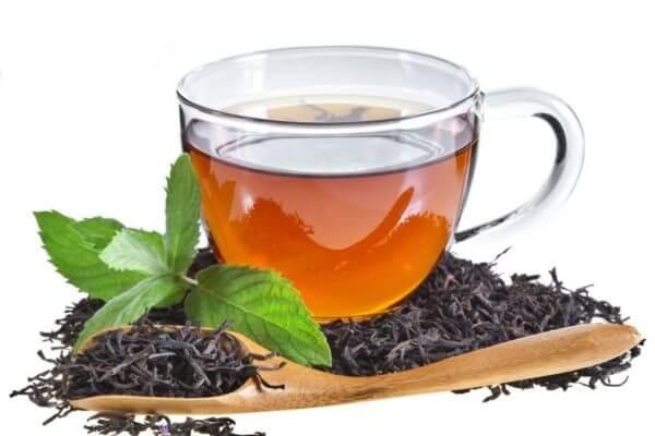 Чай повышает или понижает давление?