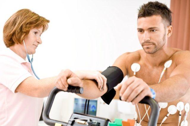 Показатели в пределах 134-138 мм рт. ст. на 86-88 мм рт. ст. считаются допустимыми для вполне здорового человека