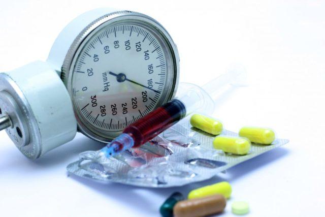 Если присутствует сердечная симптоматика, стоит дать нитроглицерин