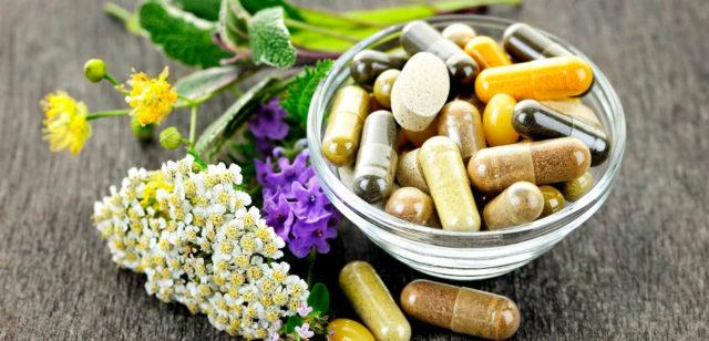 Эффективным для улучшения кровообращения является назначение иглоукалывания, точечного массажа, фитотерапии, гипертензивных препаратов