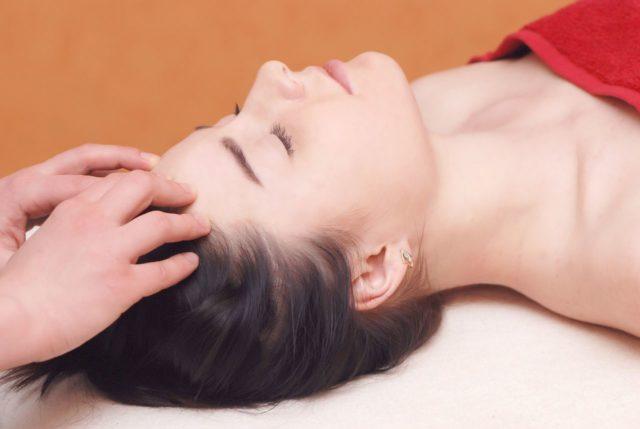 Можно ли делать массаж при давлении и как правильно?